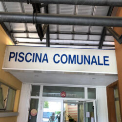 antiscivolo_piscina_comunale_udine